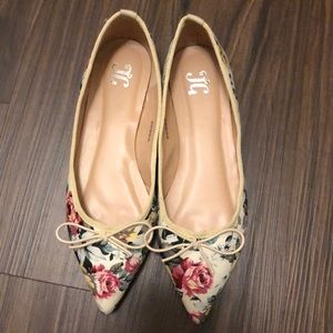 JG | Floral Pointy Flats